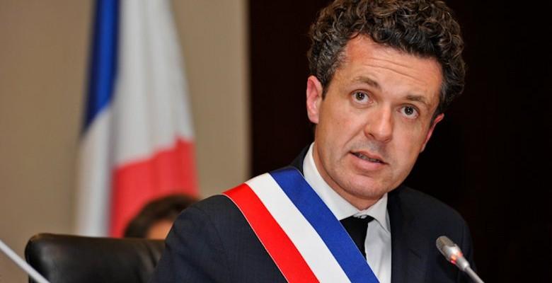 Angers :  Béchu ne « soutient plus » François Fillon